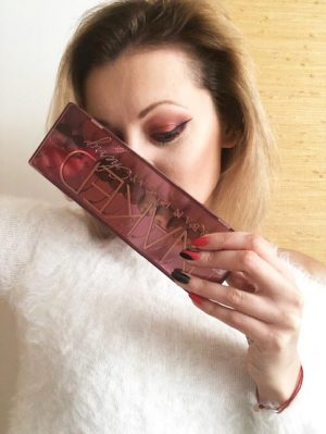Valentine's day make up look Urban Decay Naked cherry